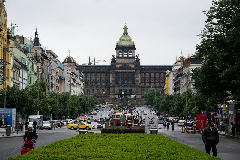 Вацлавская площадь, статуя Святого Вацлава и Национальный музей
